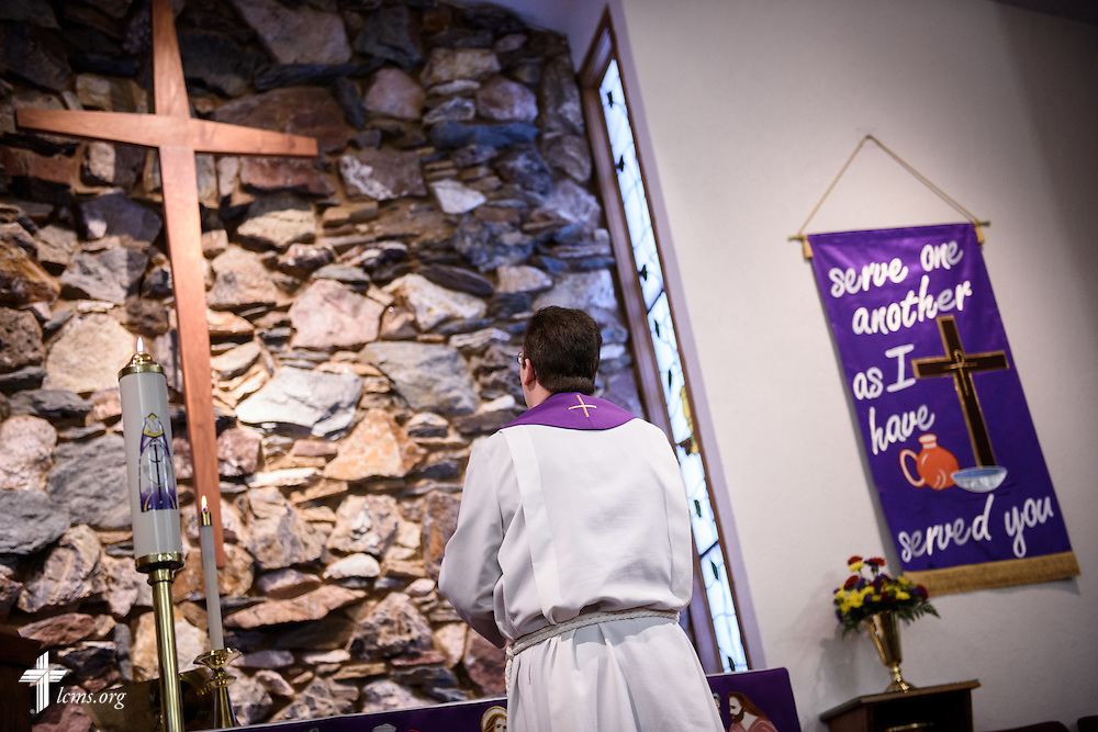 The Rev. Mark Nierman, pastor of Mount Olive Lutheran Church, prays during Lenten worship on Wednesday, March 2, 2016, in Loveland, Colo. LCMS Communications/Erik M. Lunsford