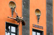 22/08/12 - AURILLAC - CANTAL - FRANCE - 27e Festival de Theatre de rue d Aurillac. ECLAT 2012 - Photo Jerome CHABANNE