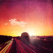 Langzeitbelichtung der A 46 be Sonnenaufgang, Wuppertal, Deutschland
