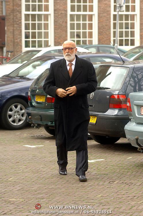 NLD/Utrecht/20060414 - Uitvaart Wout van Doleweerd, Pierre Kartner, Vader Abraham