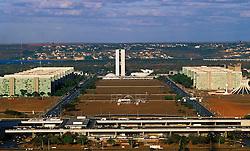 Brasilia; DF; Brasil; Agosto/2004.Vista aerea de Brasilia e da Torre de TV / Aerial view of Brasilia and the tv tower..Foto de Marcos Issa/Argosfoto.