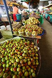 Mangabas vendidas em barracas, no interior do Mercado Municipal de Aracaju...© Tatiana Cardeal