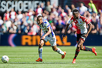 ROTTERDAM - Feyenoord - SC Heerenveen , Stadiond de Kuip , Voetbal , Eredivisie Play-offs Europees voetbal, seizoen 2014/2105 , 24-05-2015 , Feyenoord speler Terence Kongolo (r) maakt een fout en laat SC Heerenveen speler Luciano Slagveer (l) er langs