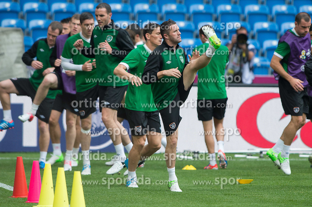 09.06.2012, Stadion Miejski, Poznan, POL, UEFA EURO 2012, Irland, Training, im Bild JOHN O'SHEA, KEITH ANDREWS, ROBBIE KEANE // during the during EURO 2012 Trainingssession of Ireland Nationalteam, at the stadium Miejski, Poznan, Poland on 2012/06/09. EXPA Pictures © 2012, PhotoCredit: EXPA/ Newspix/ Jakub Kaczmarczyk..***** ATTENTION - for AUT, SLO, CRO, SRB, SUI and SWE only *****