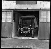 1961-23/05 John Ellis with Classic Cars