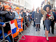 19-3-2015 - lubeck - arrival of King Willem-Alexander and Queen Maxima  on the markt square in Lubeck King Willem-Alexander and Queen Maxima in Sleeswijk- Holstein and Hamburg on Thursday 19 and Friday, April 20th . COPYRIGHT ROBIN UTRECHT