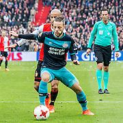 ROTTERDAM - Feyenoord - PSV , Voetbal , Eredivisie , Seizoen 2016/2017 , De Kuip , 26-02-2017 ,  PSV speler Bart Ramselaar (voor) in duel met Feyenoord speler Karim El Ahmadi (achter)
