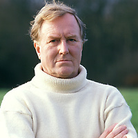 Robert Hardy in Henley, Oxfordshire<br /> Photographed in 1990<br /> <br /> Picture by Flo Smith<br /> <br /> <br /> WORLD RIGHTS