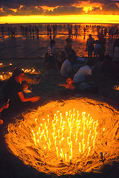 Montevideu, Uruguai. 02  de Fevereiro de 2001.Festa de Iemanja em Praia de Montevideu/ Festival of Yemanja, The Queen of the Oceans.Adri Felden / Argosfoto.www.argosfoto.com.br