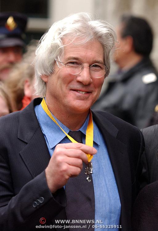 Richard Gere met de Geuzenpenning 2005