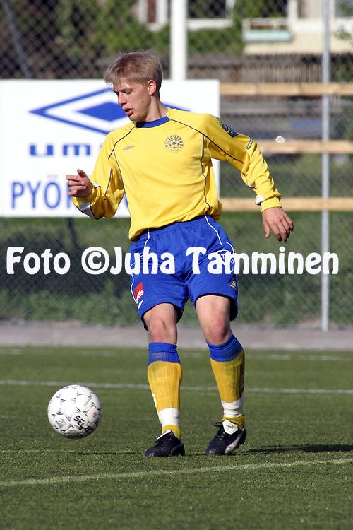 13.06.2004, ?ij?nsuo, Rauma, Finland..I Divisioona, Pallo-Iirot v AC Oulu.Aleksi Latvanen - P-Iirot.©Juha Tamminen.....ARK:k