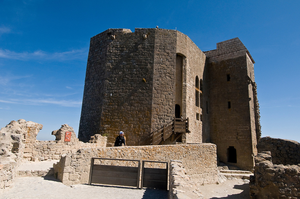 ON THE TRACES OF THE CATHAR KNIGHTS<br /> <br /> 100 km of treking, up to 1350 meters of altitude, 6 castles, 6 days of sweat and &quot;little&quot; wine it is quite simply brilliant!
