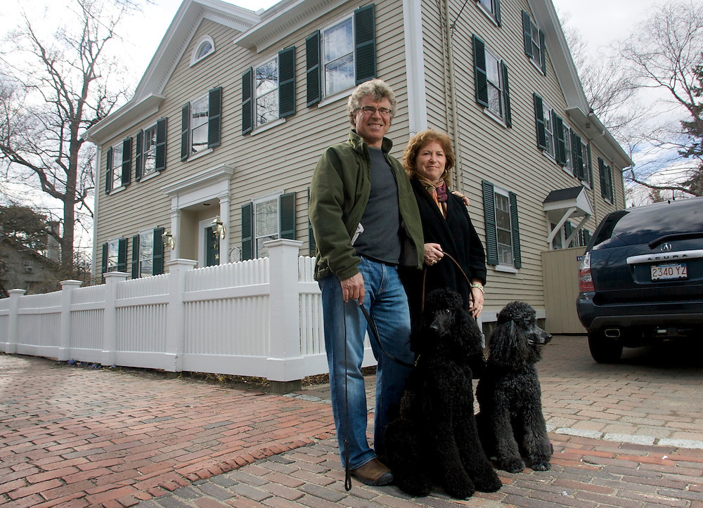SALEM, Mass. - Evy Blum and Steve Thomas, former host of This Old House and current host of Discovery Green's Renovation Nation, are selling their Salem home at 14 Broad St.