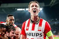 EINDHOVEN - PSV - CSKA , Voetbal , Seizoen 2015/2016 , Champions League , Philips Stadion , 08-12-2015 , PSV speler Luuk de Jong viert het doelpunt van PSV speler Davy Propper (l)