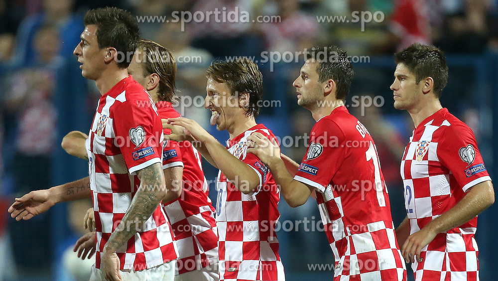 13.10.2014, Stadion Gradski vrt, Osijek, CRO, UEFA Euro Qualifikation, Kroatien vs Aserbaidschan, Gruppe H, im Bild Mario Mandzukic, Luka Modric, Marcelo Brozovic, Andrej Kramaric // during the UEFA EURO 2016 Qualifier group H match between Croatia and Azerbaijan at the Stadion Gradski vrt in Osijek, Croatia on 2014/10/13. EXPA Pictures &copy; 2014, PhotoCredit: EXPA/ Pixsell/ Igor Kralj<br /> <br /> *****ATTENTION - for AUT, SLO, SUI, SWE, ITA, FRA only*****