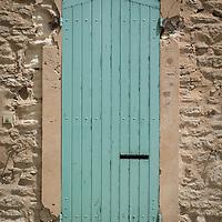 Green door in Gordes.
