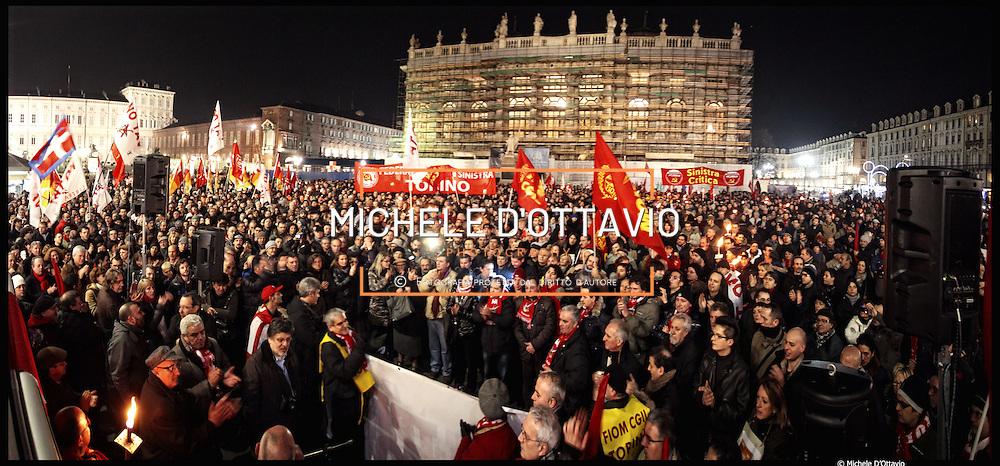 Torino scende in piazza in vista del referendum sull'accordo FIAT, fiaccolata organizzata dalla Fiom per dire no. ..12/01/2011
