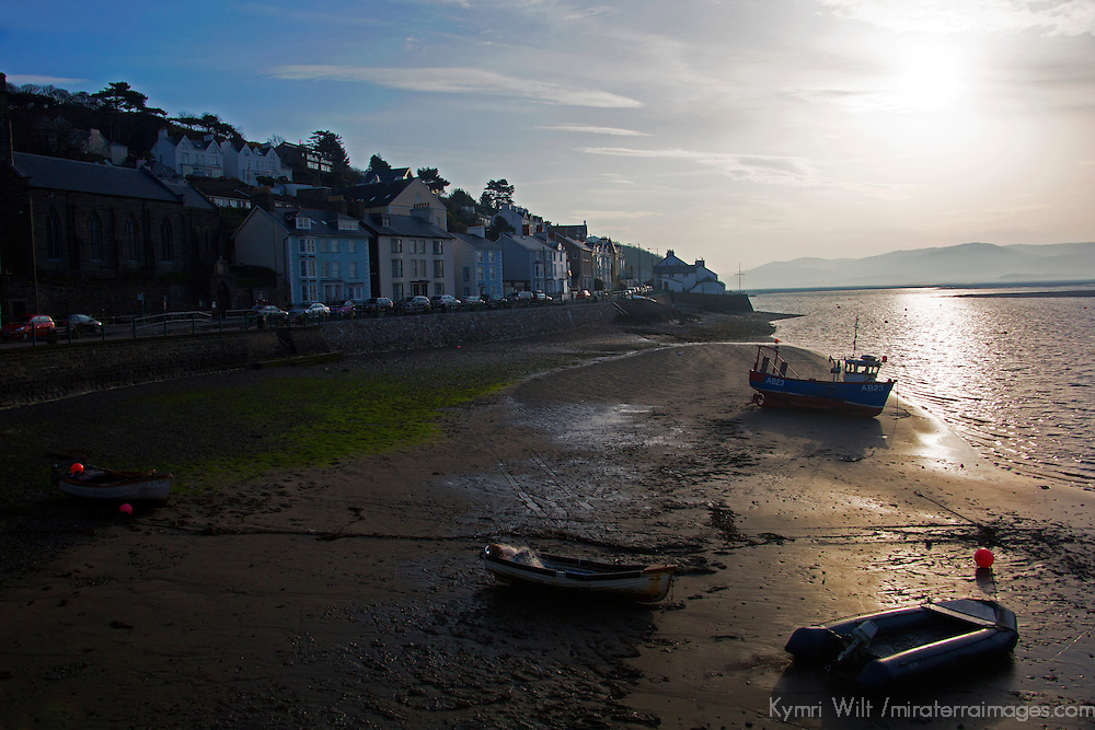 Europe, United Kingdom, Wales, Aberdyfi. Sunrise in seaside town of Aberdovey, Wales.