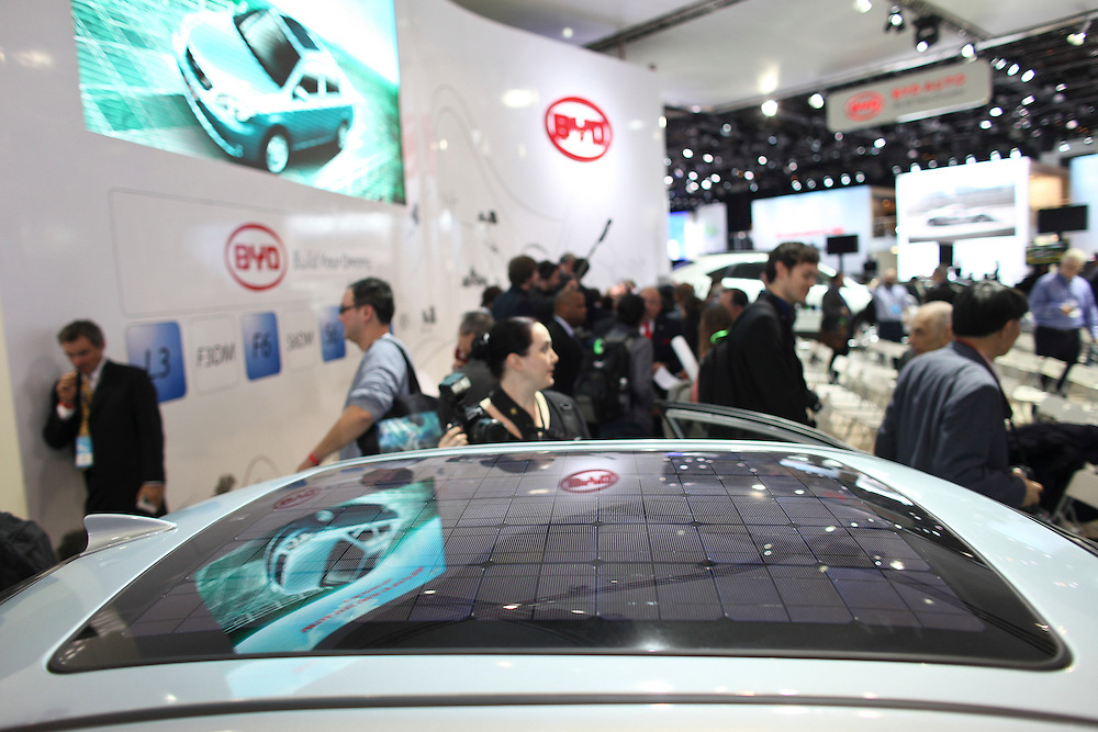 GR --- Detroit, Michigan ---11-01-10--- A solar panel is integrated into Chinese automaker BYD's F3BD, a hybrid vehicle at the company's display at the North American International Auto Show in Detroit, Michigan January 10, 2011.<br /> Geoff Robins AFP