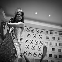 Miss Universe 2009 (B/W)