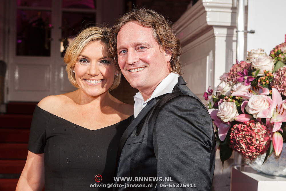 Family photo of the TV Presenter, married to Greg de Jong,  famous for Hart van Nederland & Actienieuws.