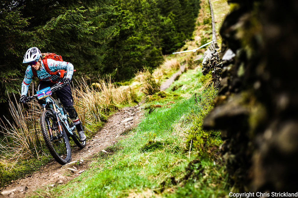Glentress, Peebles, Tweed Valley, Scotland, UK. 21st May 2016. Brit Tracey Mosley, one of the worlds leading riders, competes in the Shimano International Enduro during Tweedlove Bike Festival in the Scottish Borders.