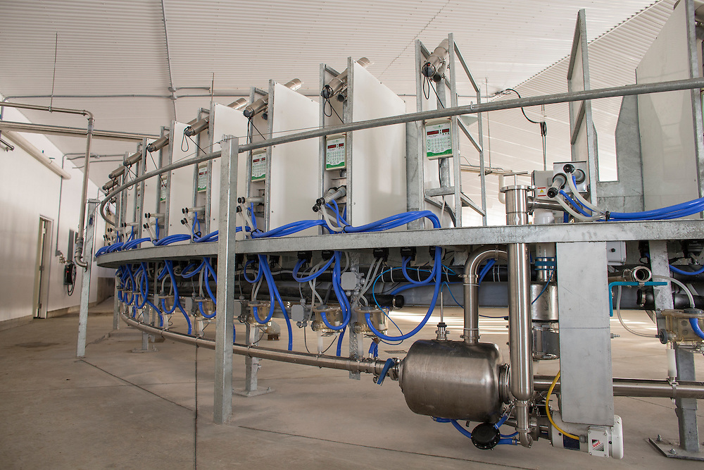 The new rotary milking parlour on the farm of dairy goat farmers Ed and Leo Donkers near Shedden, Ontario, Monday,  February 2, 2015.<br /> Farmers Forum/ Geoff Robins