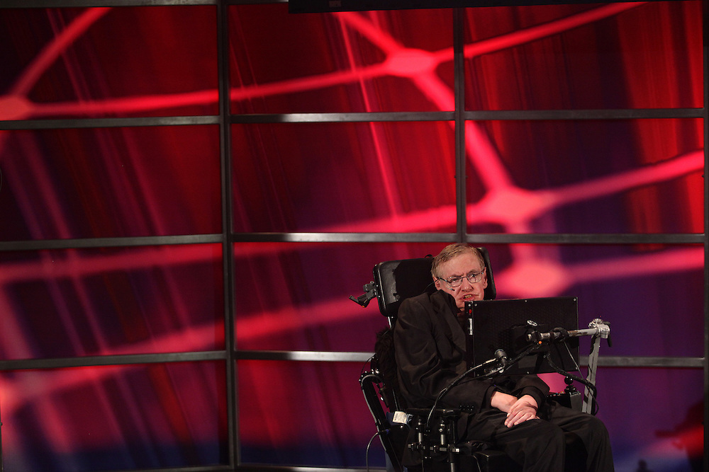 Waterloo, Ontario ---10-06-20--- Renowned physicist Professor Stephen Hawking speaks during a lecture at the Perimeter Institute for Theoretical Physics in Waterloo, Ontario, Canada, June 20, 2010 where he has recently taken the position as the institute's Distinguished Research Chair.<br /> GEOFF ROBINS AFP