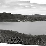 Hudson River, Stormking Mountain and Bannerman's Island