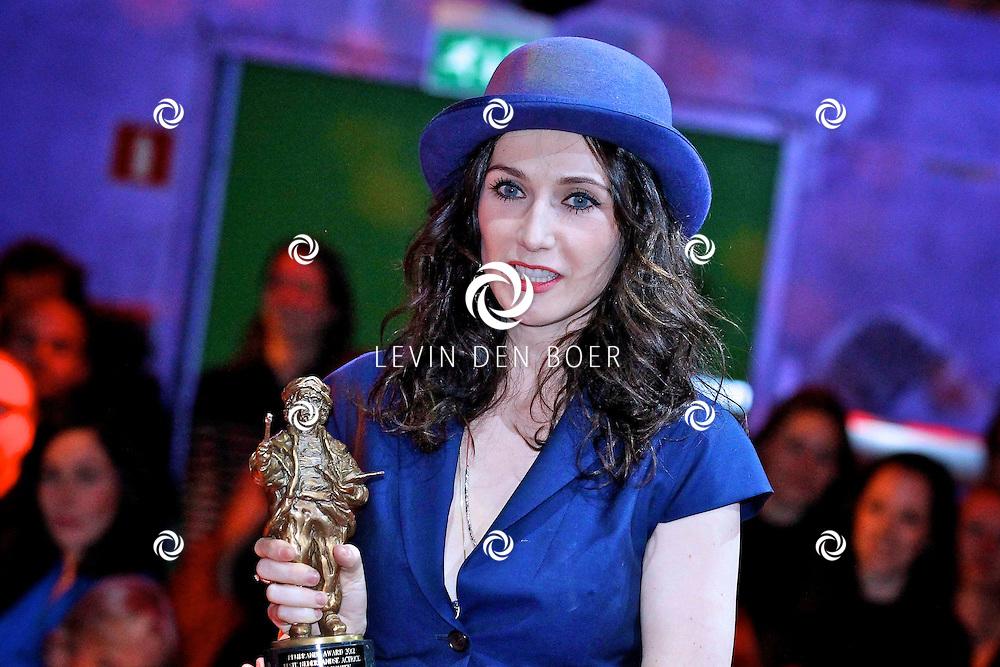 AMSTERDAM - In discotheek De Escape op het Rembrandtplein zijn weer de Rembrandt Awards 2012 uitgereikt.  Met op de foto Carice van Houten. FOTO LEVIN DEN BOER - PERSFOTO.NU