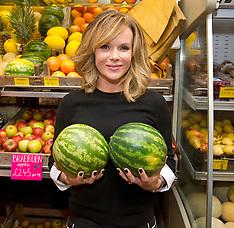 NOV 06 2013 Amanda Holden autobiography signing