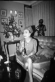 14/12/1966 Joan Crawford Promotes Pepsi