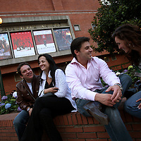 Friends talk outside a mall in north Bogotá on Friday, May 4, 2007. (Photo/Scott Dalton)