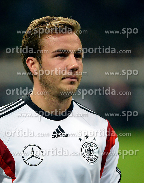15.11.2013, Stadio Giuseppe Meazza, Mailand, ITA, Fussball Testspiel, Italien vs Deutschland, im Bild Aufwaermtraining Mario Goetze (GER) Portrait Portraet // during the international friendly match between Italy and Germany at the Stadio Giuseppe Meazza in Mailand, Italy on 2013/11/16. EXPA Pictures &copy; 2013, PhotoCredit: EXPA/ Eibner-Pressefoto/ Weber<br /> <br /> *****ATTENTION - OUT of GER*****