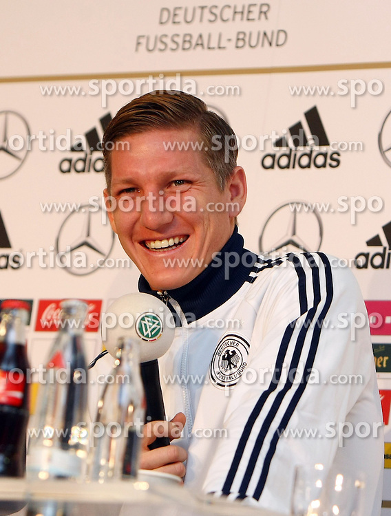 20.03.2013, Kleine Kampfbahn, Frankfurt, GER, FIFA WM Qualifikation, DFB Pressekonferenz, im Bild Bastian Schweinsteiger // during an press conference of German Footballteam DFB // before the FIFA World Cup Qualifier at the Kleine Kampfbahn, Frankfurt, Germany on 2013/03/20. EXPA Pictures © 2013, PhotoCredit: EXPA/ Eibner/ Bildpressehaus..***** ATTENTION - OUT OF GER *****