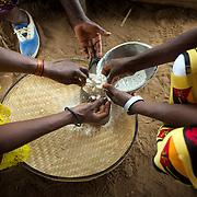 Pacing maze flour Namaveresse, Maua District, Mozambique
