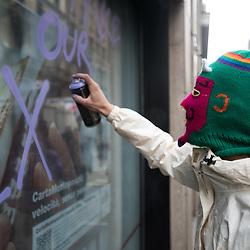 Corteo dei gruppi studenteschi No Expo<br /> <br /> Foto Piero Cruciatti / LaPresse<br /> 30-04-2015 Milano, Italia<br /> Cronaca<br /> Cortei dei gruppi studenteschi No Expo<br /> Nella Foto: Cortei dei gruppi studenteschi No Expo<br /> <br /> Photo Piero Cruciatti / LaPresse<br /> 29-04-2015 Milan, Italy<br /> News<br /> No Expo student groups<br /> In the Photo: No Expo student groups No Expo and mayday protests in Milan turn violent.<br /> <br /> Scontri durante la manifestazione del 1 Maggio di gruppi antagonisti No Expo e black bloc a Milano