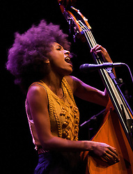 Projeto Jazz all Nights. Show da cantora Esperanza Spalding. Foto Adri felden/Argosfoto