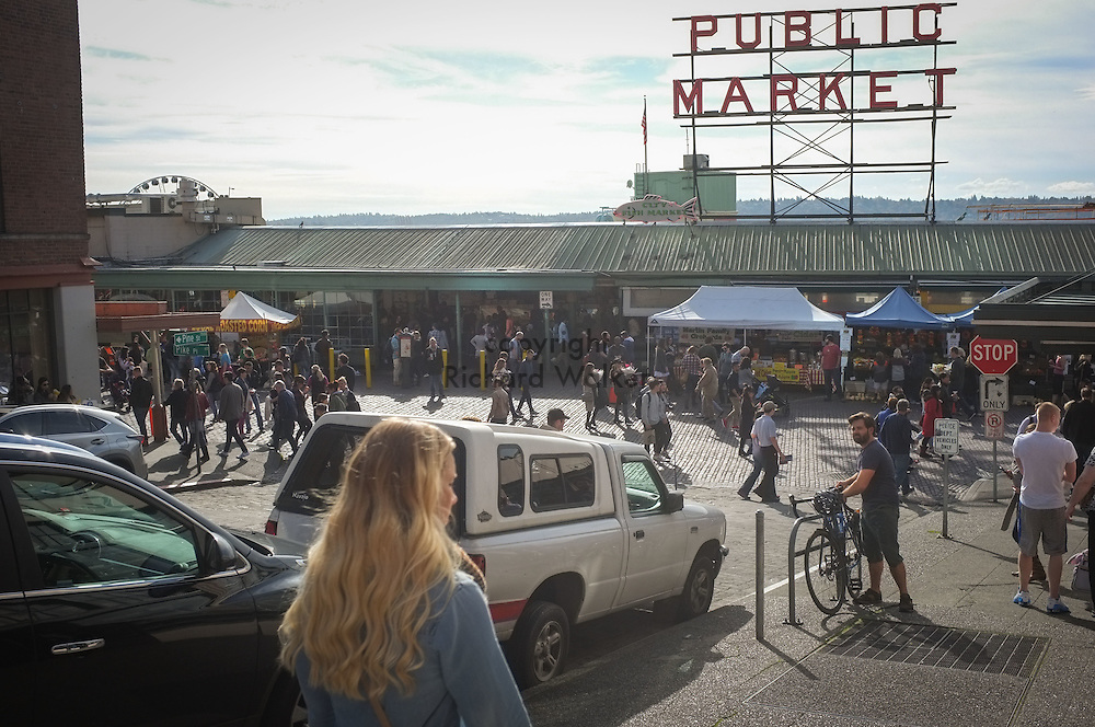 2016 October 22 - Street scene looking west near Post Alley at Pine Street at Pike Place Market, Seattle, WA, USA. By Richard Walker