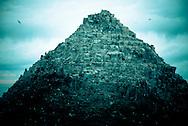 """Formación rocosa de la costa de Constitucion conocida popularmente como """"La Catedral"""". Octava Región del Bio bio, Chile. 18-11-10 (©Alvaro de la Fuente/TRIPLE.cl)"""