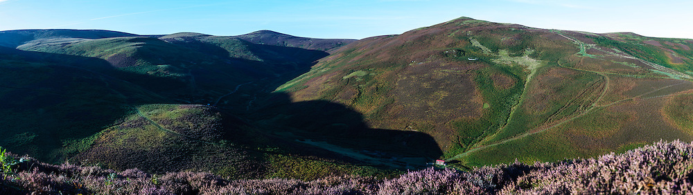 Heatherhope, Hownam, Kelso, Scotland, UK. 1st October 2015. Looking north west towards Church Hope Hill (404m), as the sun begins to light up the hilltops over Heatherhope in the Cheviot Hills just inside the Scottish Border.
