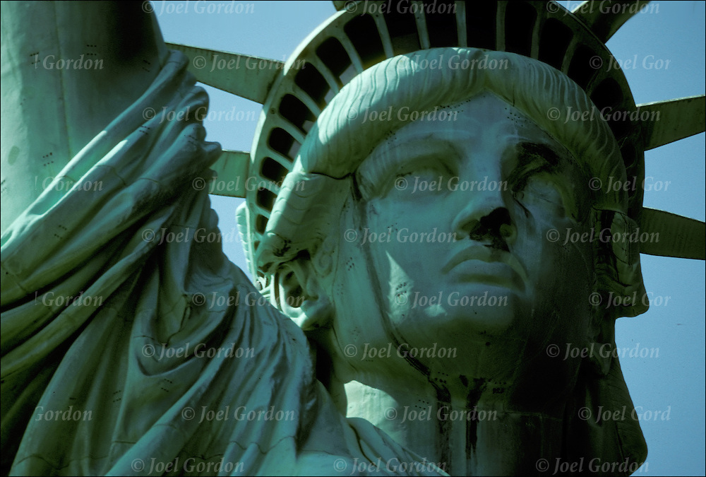 restoration of the statue of liberty January 10, 2015 speaker: mr george evans mr evans was on the crew that performed the most recent restoration of the statue of liberty he goes through sli.