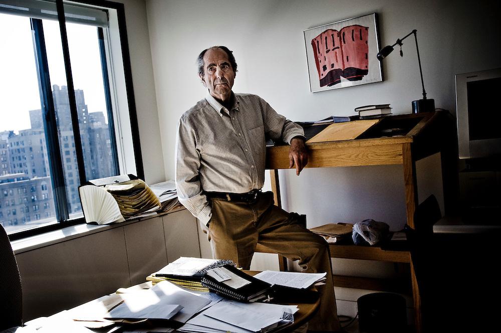 Writer Philip Roth at his home in Manhattan, New York..Photographer: Chris Maluszynski /MOMENT