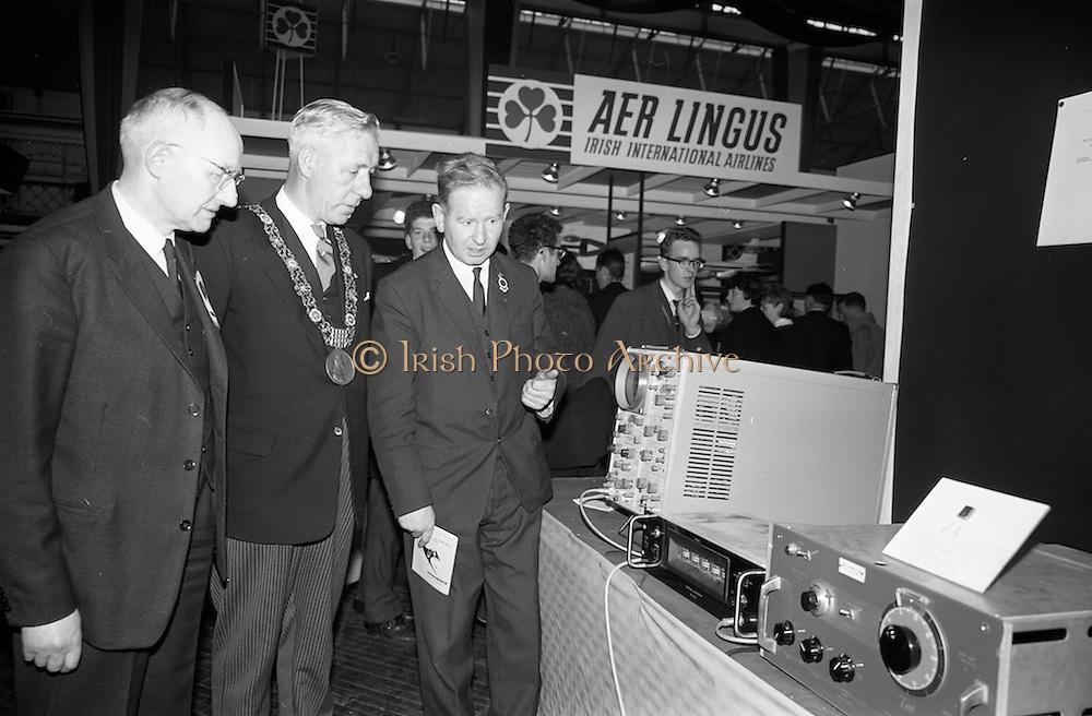22/10/1963<br /> 10/22/1963<br /> 22 October 1963<br /> R.D.S. Scientific Exhibition opens, Ballsbridge, Dublin. Image shows (l-r): Professor Waldron, Trinity College Dublin; Alderman S. Moore, Lord Mayor of Dublin and Dr. Delaney Trinity College Dublin.