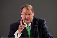 11 JAN 2010, KOELN/GERMANY:<br /> Peter Heesen, Vorsitzender Deutscher Beamtenbund, dbb, haelt eine Rede, dbb Jahrestagung &quot;Europa nach Lissabon - Fit fuer die Zukunft?&quot;, Messe Koeln<br /> IMAGE: 20100111-01-092