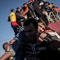 Migrant desimbarking on the Greek coasts of Lesbos after crossing the Aegean sea. FEDERICO SCOPPA/CAPTA