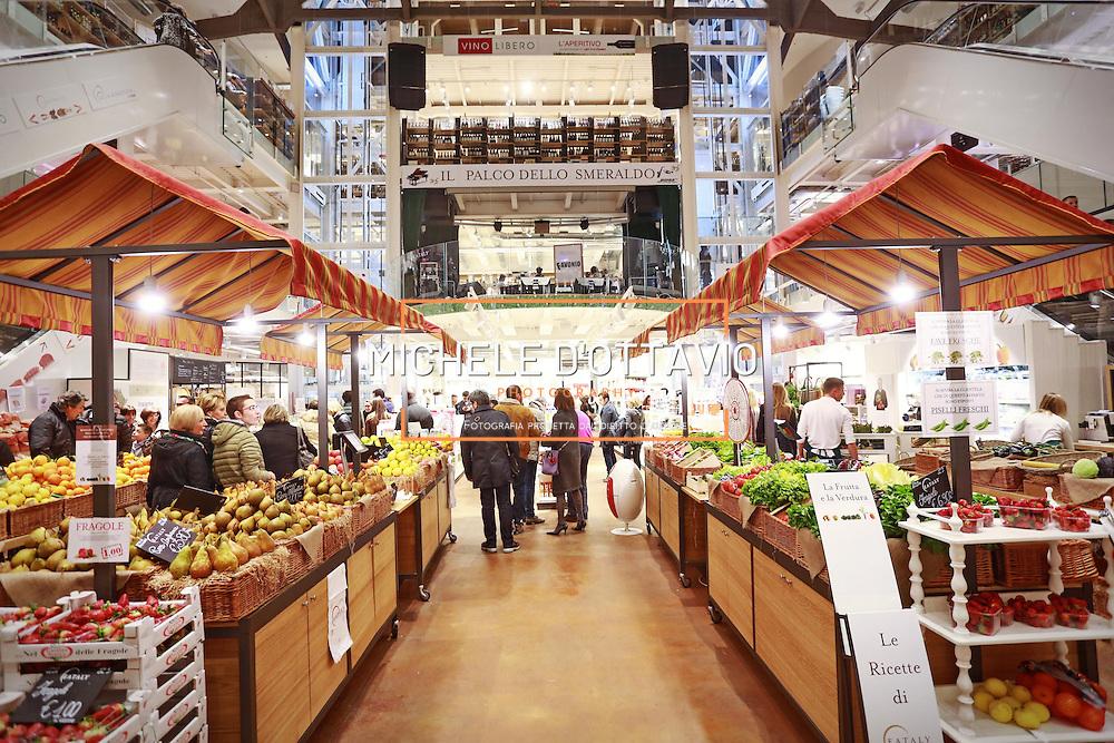 Eataly Milano Smeraldo. 3 piani, un totale di 5000 metri quadrati, 15 ristoranti aperti tutti i giorni.