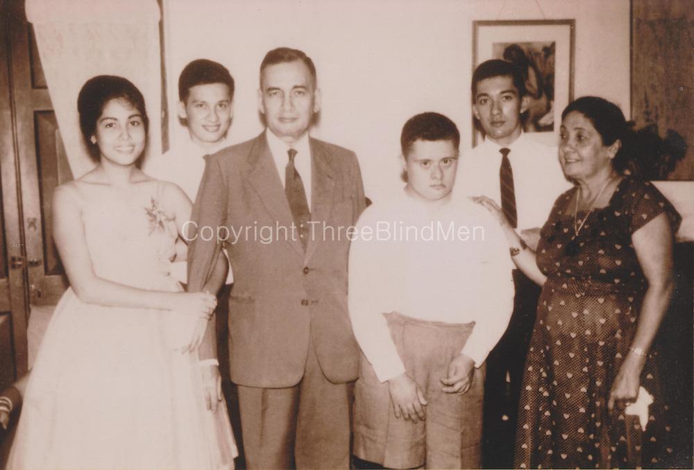 JANSZE'-DRIEBERG FAMILY<br /> <br /> Left to right:<br /> <br /> 1. Dorothy Estelle Jansze' b.8.8.1948<br />     a) m.15.4.68 Nihal Senaka Kodituwakku b.23.7.40 [Divorced]<br />     b) m.18.12.79 Noel Edward Ferdinand b.1.1.1952<br /> 2. Derek Douglas Budd Jansze' b.7.8.1943 m.10.9.1969 Jennifer Jalleh b.24.3.1946.<br /> 3. Douglas St. Clive Budd Jansze' BA (Hons) (Lond), Attorney-at-Law, QC, OBE, Attorney General of Ceylon; b.16.2.1909 d.16.6.1966 m.10.4.1939 Dorothy Maria Mabel Drieberg b.15.7.1907 d.24.3.1986<br /> 4. Desmond Michael Budd Jansze' b.28.6.1946 d.15.10.2002<br /> 5. David Lorenz Budd Jansze' b.14.10.1944 m.29.10.1970 Betty-Ann Blacker b.30.12.1948<br /> 6. Dorothy Maria Mabel Jansze' (nee Drieberg) b.15.7.1907 d.24.3.1986 m.10.4.1939 Douglas St. Clive Budd Jansze' b.16.2.1909 d.16.6.1966