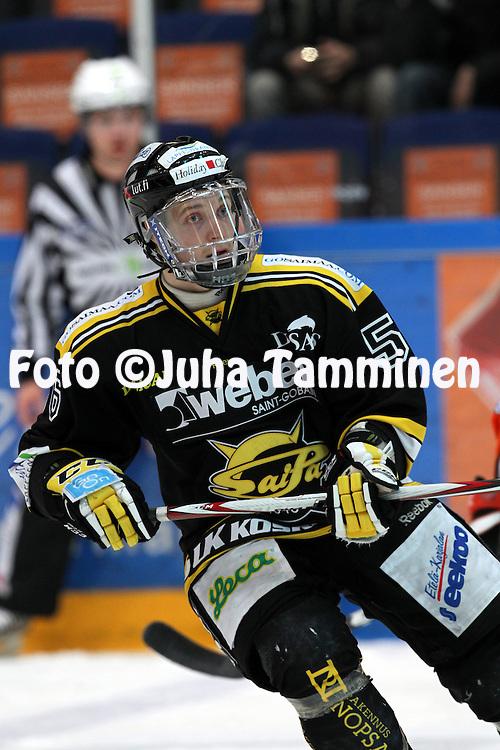 12.1.2012, Ritari Areena, Hämeenlinna..Jääkiekon SM-liiga 2012-13. Hämeenlinnan Pallokerho - SaiPa..Lauri Taipalus - SaiPa...