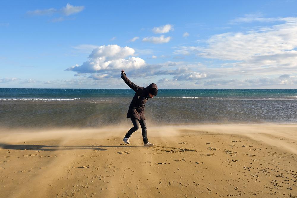 Frankreich - France - Gruissan Plage; Beach, Strand; Mittelmeer; Stürmische Wetter; Stormy Wheather; SAND; Julia; Gruissan Plage; 13.01.2017; © Christian Jungeblodt